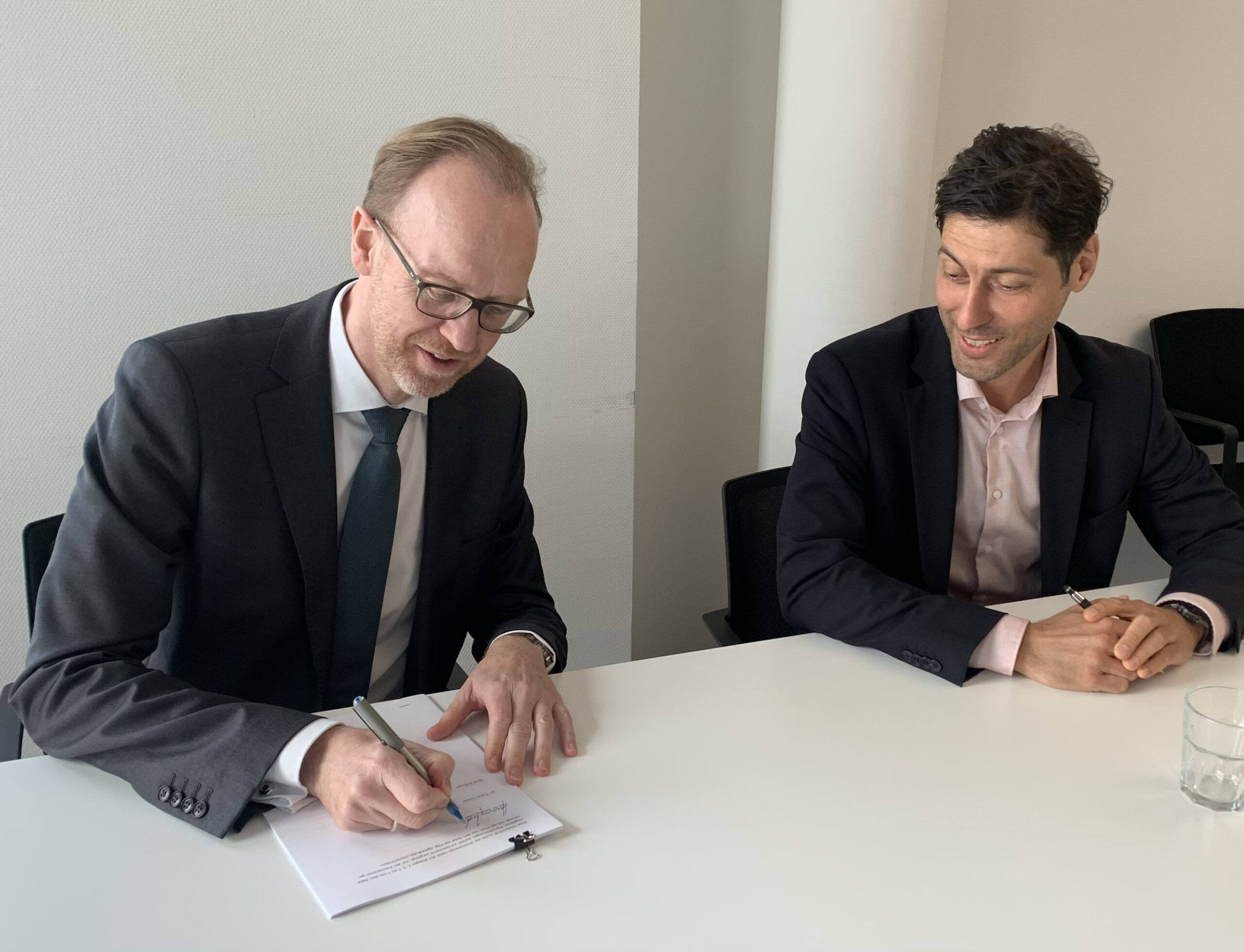 IDS unterzeichnet Erbbaurechts- und Schenkungsvertrag für das            Forum Deutsche Sprache